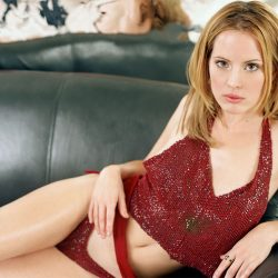 Emma Caulfield's Webcoming – Ripped