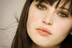 Felicity Jones to play lead in Star Wars spin-off